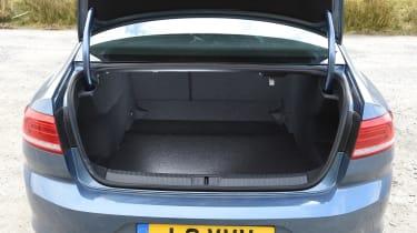 Volkswagen Passat BlueMotion 2016 - boot