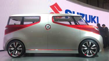 Suzuki Air Triser - side
