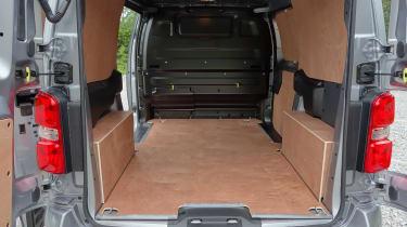 Peugeot e-Expert - loadspace