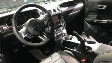 Ford Bullitt Mustang GT - Detroit dash