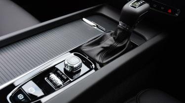 Volvo V60 - centre console