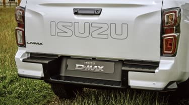 Isuzu D-Max 2021 - rear