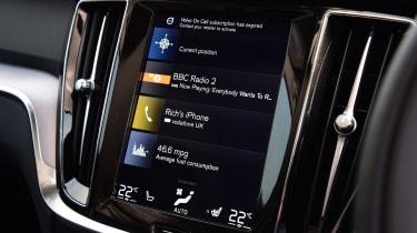 Volvo V60 D3 - radio