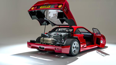 Ferrari F40 engine