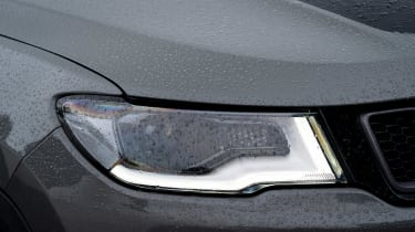 Jeep Compass Trailhawk - front light