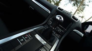 Porsche Cayman - centre console