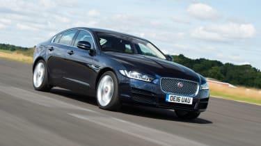 Jaguar XE AWD - front tracking