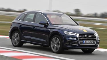Audi Q5 - Golden Steering Wheel 2017 front action