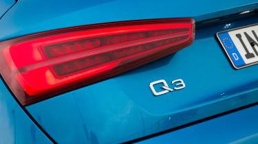 New Audi Q3 2015 badge