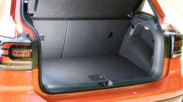 Volkswagen T-Cross Black Edition - boot