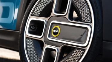 MINI Electric - wheel