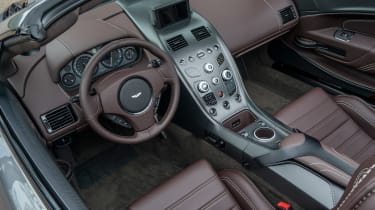 Aston Martin Vantage GT12 Roadster - interior