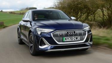 Audi e-tron S - front action