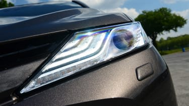 Toyota Camry - front light