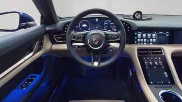 Porsche Taycan - dash