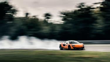 McLaren 600LT - front panning