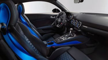 Audi TT RS Coupe - interior