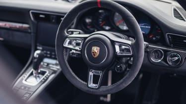 Porsche 911 British Legends Edition interior