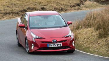 Toyota Prius - front cornering