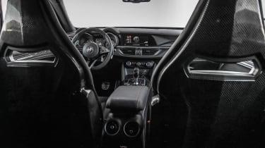 Alfa Romeo Stelvio Quadrifoglio  - front seats
