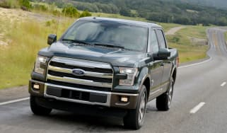 Ford F-150 - front tracking grey