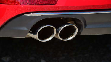 New Audi A4 2016 pipes