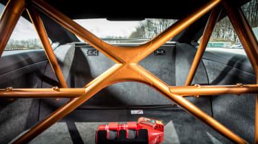 BMW M4 GTS UK 2016 - roll cage