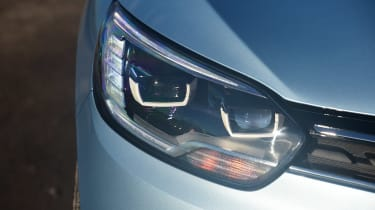 Renault Grand Scenic - front light detail
