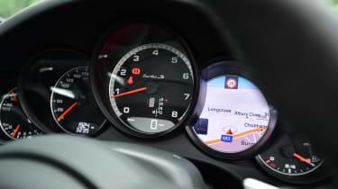 Porsche 911 Turbo S - dials