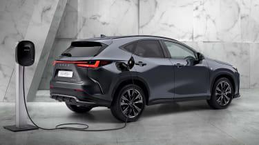 Lexus NX - rear charging