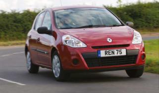 Renault Clio Pzaz front cornering