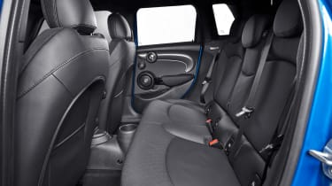 MINI 5-door hatch facelift - rear seats