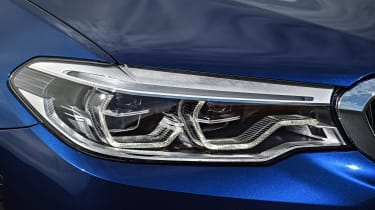 BMW 5 Series Touring - front light