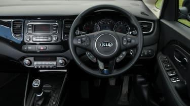 Kia Carens 2 1.7 CRDi interior