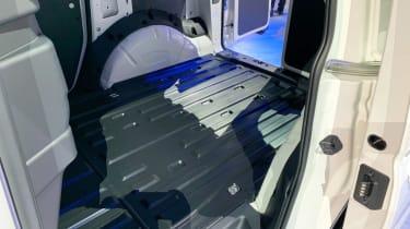 VW Caddy - cargo bay reveal