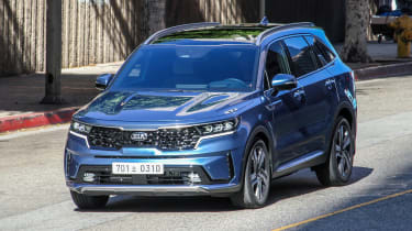 Kia Sorrento - undisguised - front tracking