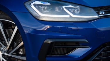 Volkswagen Golf R 2017 headlight