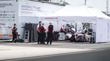 Porsche 919 Evo - garage