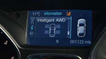 Ford Kuga Titanium 2.0 TDCi display