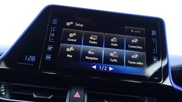 Used Toyota C-HR - infotainment