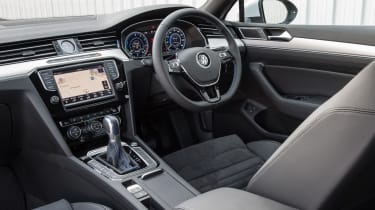Volkswagen Passat GTE 2016 - interior