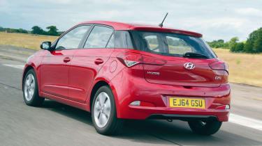 Hyundai i20 - rear tracking