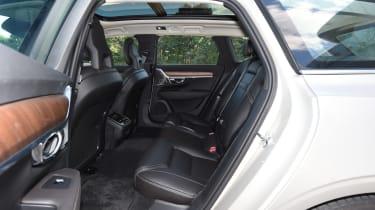 Volvo V90 2016 - rear seats