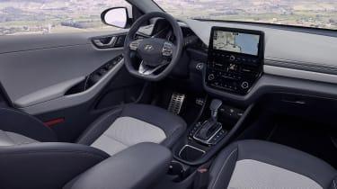 Hyundai Ioniq Hybrid - cabin