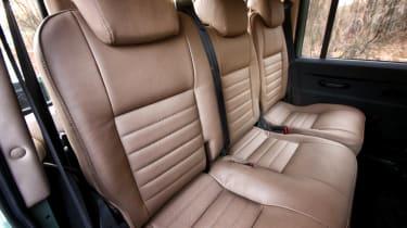 Land Serwis rear seats