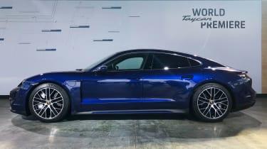 Porsche Taycan - reveal side
