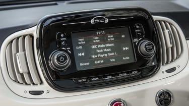 Fiat 500 infotainment