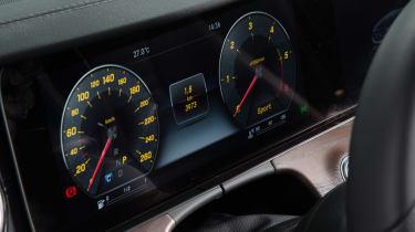 New Mercedes E-Class 2016 studio dials