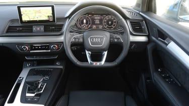 Audi Q5 TFSI e - dash