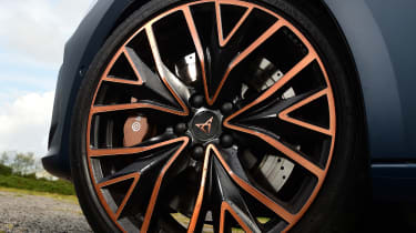 Cupra Leon 300 - wheel